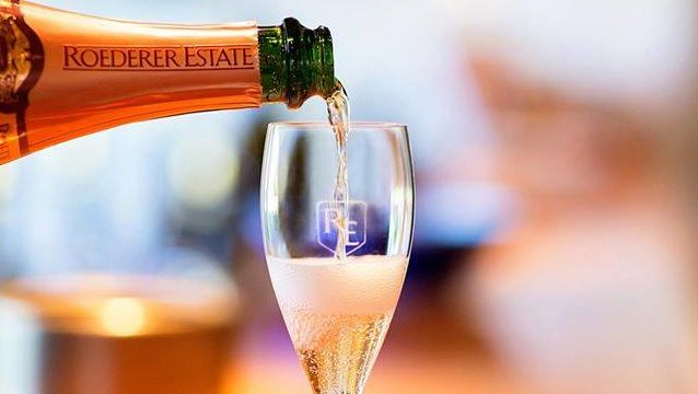 Roederer Pouring